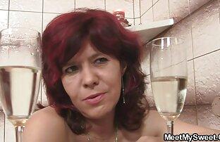 Ein Mädchen russische junge Schlampe wird immer von einem Mann begleitet, der glücklich reife sexvideos war
