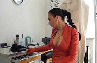 Die beiden küssen sich, bringen porno free reife frauen sich zum Orgasmus, ein Schwindel