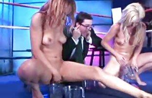 Busty handjob, handjob und reife frauen nackt videos masturbation